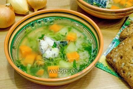 Рисовый суп из скумбрии с морковью