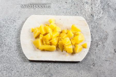 Картошка режется тоже бланкетками.