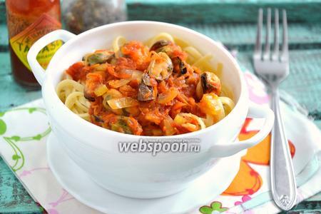 Паста с мидиями в томатном соусе