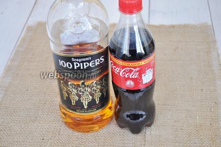 Для коктейля приготовим шотландский виски «100 трубачей» и Кока-Колу, ещё потребуется лёд и долька лимона по желанию.