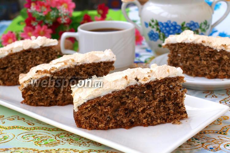 Фото Ореховый пирог с безе