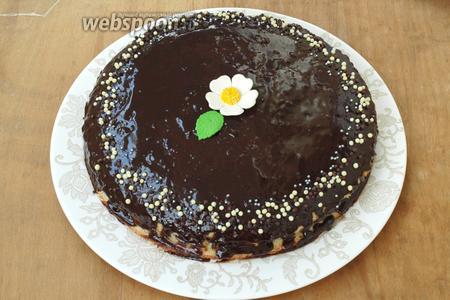 Торт украсить по-желанию и убрать в холодильник на несколько часов. Приятного аппетита!