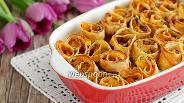 Фото рецепта Блинные розочки с абрикосами