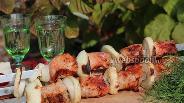 Фото рецепта Шашлык из свинины в винном маринаде