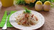 Фото рецепта Салат из белой редьки с беконом