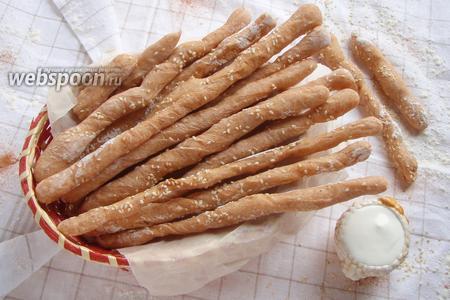 Палочки хлебные с паприкой и кунжутом