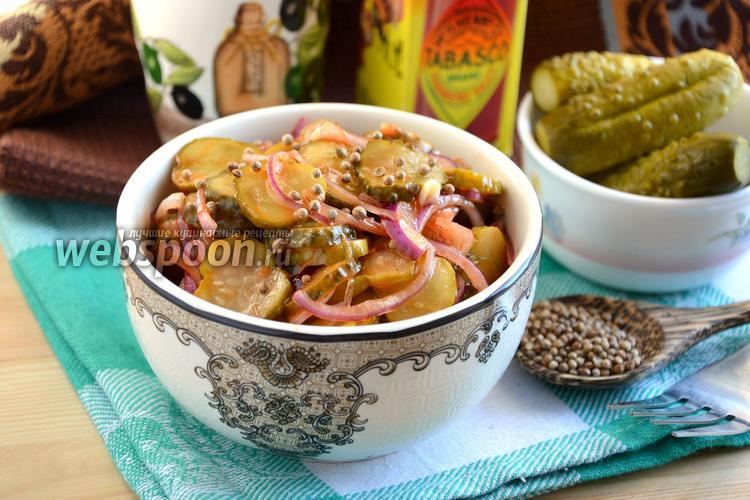 Фото Острая закуска из маринованных огурцов