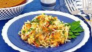 Фото рецепта Салат из дайкона, курицы, овощей и сыра