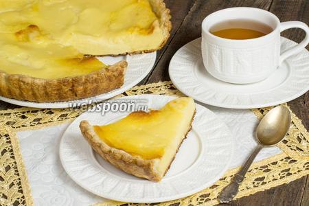 Пирог с творогом и заварным кремом