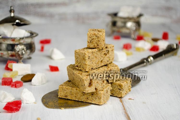 Фото Халва из манки на сливочном масле с финиками