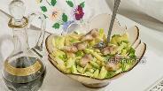 Фото рецепта Салат с провесной скумбрией, картофелем и зелёным яблоком