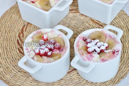 Для любителей нежной текстуры присыпать сахарной пудрой. Подавать можно в горячем и холодном виде.