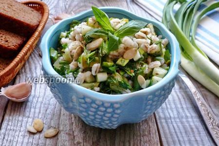 Салат из перловой крупы и огурцов