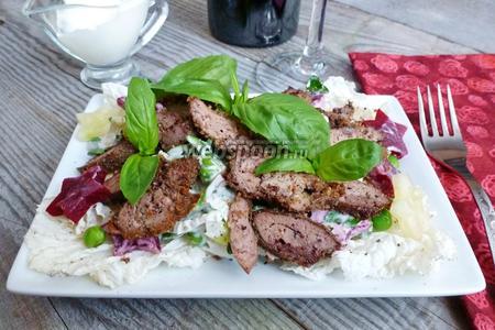 Салат из куриной печени со свёклой и огурцом