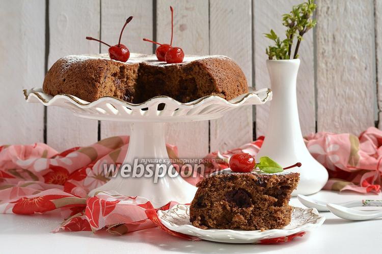 Фото Шоколадный пирог с консервированной вишней в мультиварке