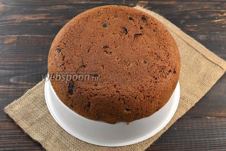 Готовый пирог вытянуть с помощью чаши для варки на пару. Охладить. Пирог готов.