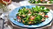 Фото рецепта Салат из красной рыбы и зелёного горошка