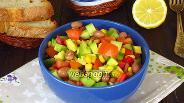 Фото рецепта Овощной салат с красной фасолью