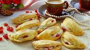 Фото рецепта Сочники с вишнёвыми язычками
