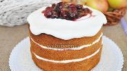 Фото рецепта Голый торт с творожным кремом и пьяной вишней