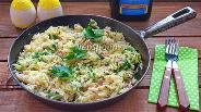 Фото рецепта Тёплый салат с пастой ризони и тунцом