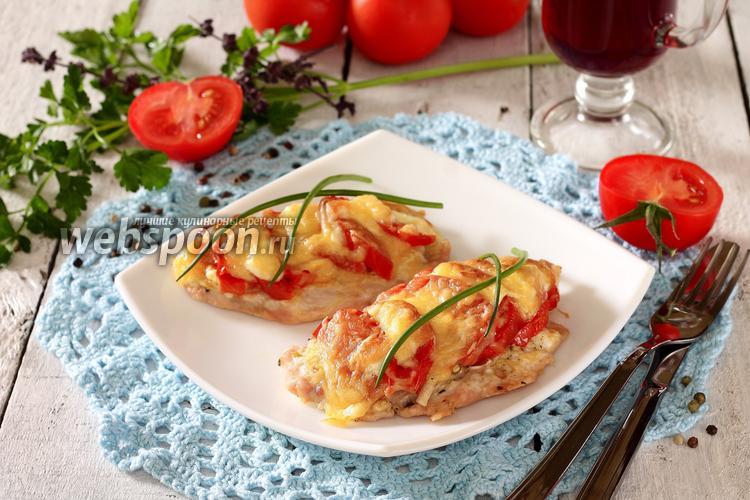 Фото Куриные отбивные с помидорами в духовке