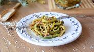 Фото рецепта Салат из черемши с кунжутом