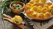 Фото рецепта Пирожки дрожжевые с крапивой, зелёным луком и творогом