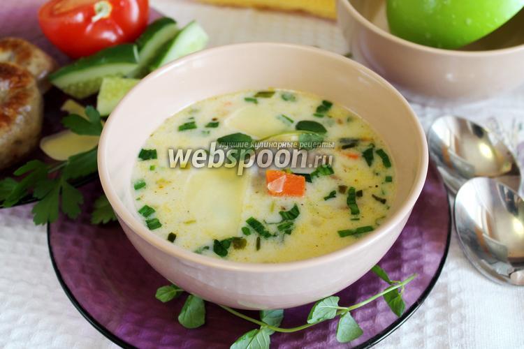 Фото Сырный суп с домашними колбасками и черемшой