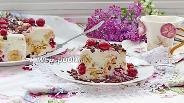 Фото рецепта Творожно-йогуртовый торт с вишней и бананом