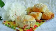 Фото рецепта Булочки с вишнями и штрейзелем в духовке