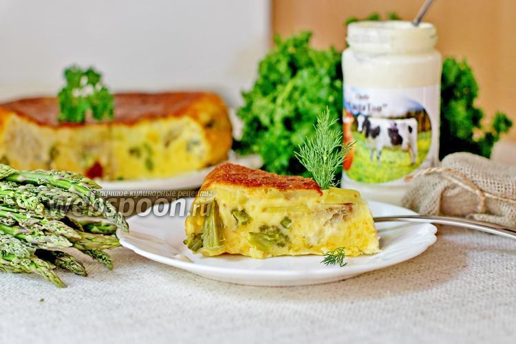 Фото Заливной пирог с сыром, минтаем и спаржей