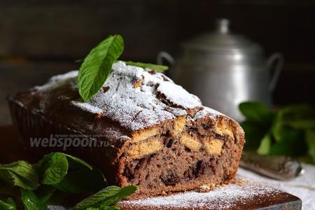 Шоколадный манник с печеньем и консервированной вишней