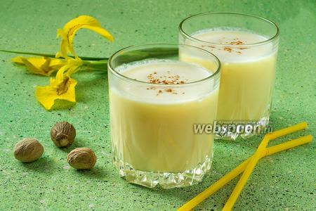 Фото рецепта Молочно-апельсиновый коктейль с мускатным орехом