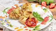Фото рецепта Блины с клубникой и ревенем