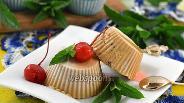 Фото рецепта Мороженое крем-брюле с творогом и вишней