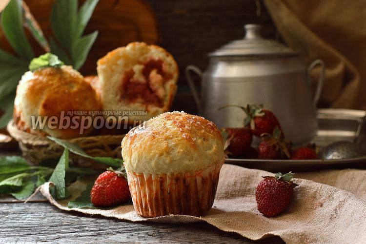 Рецепт Булочки с клубникой и кокосовой стружкой