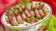 Фото рецепта Рулетики из ветчины с инжиром и сыром Дор Блю