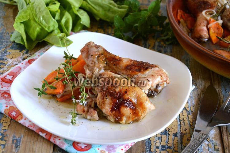 Фото Курица в духовке с белым вином, овощами и травами