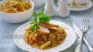 Фото рецепта Капуста тушёная с куриной грудкой и молоком