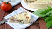 Фото рецепта Открытый пирог с черемшой и грудинкой