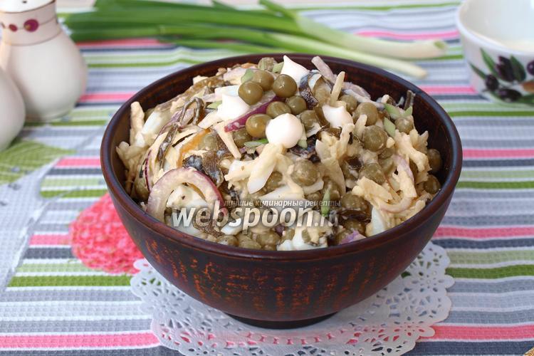 Фото Салат с морской капустой, горошком и яйцом