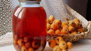 Фото рецепта Компот из мушмулы с вишней