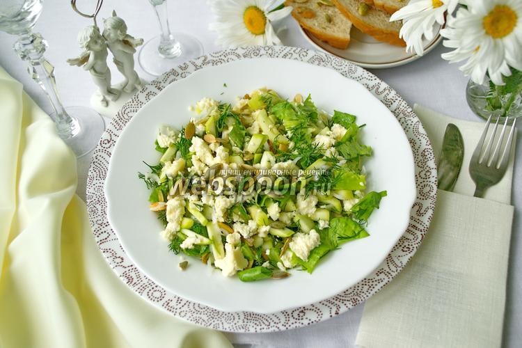 Фото Салат из свежего кабачка и сыра