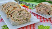 Фото рецепта Рулет из лаваша с яйцом, сыром и балыком