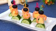 Фото рецепта Канапе с огурцом и креветками