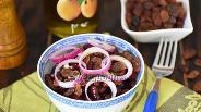 Фото рецепта Салат из красной фасоли с изюмом по-армянски