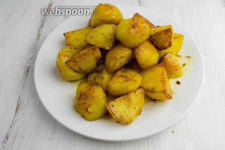 Картофель готов. Выложить его на блюдо.