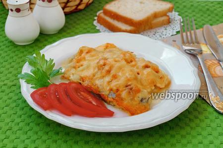 Фото рецепта Зубатка запечённая в фольге с луком и морковью