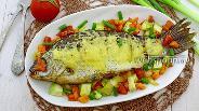 Фото рецепта Карась с овощами под сырной корочкой